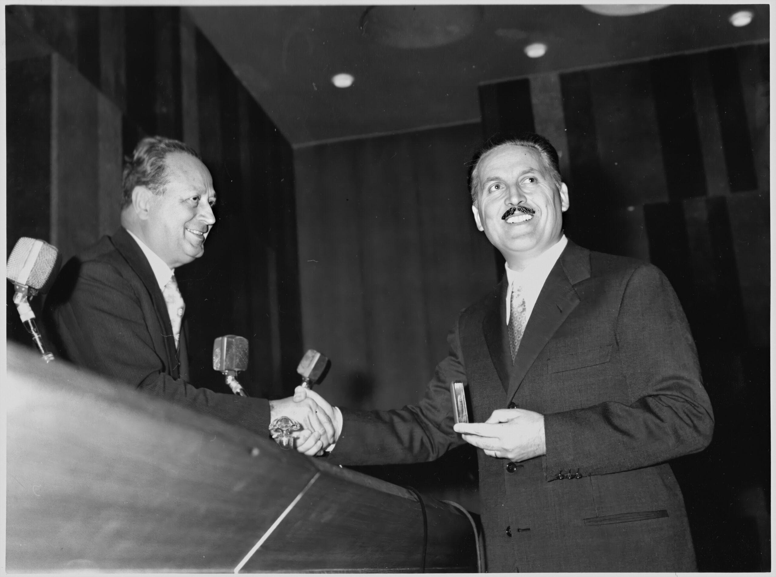 Franco Grignani and Dino Villani, Palma d'Oro to Necchi, Chamber of Commerce in Milan, 21 Oct. 1959