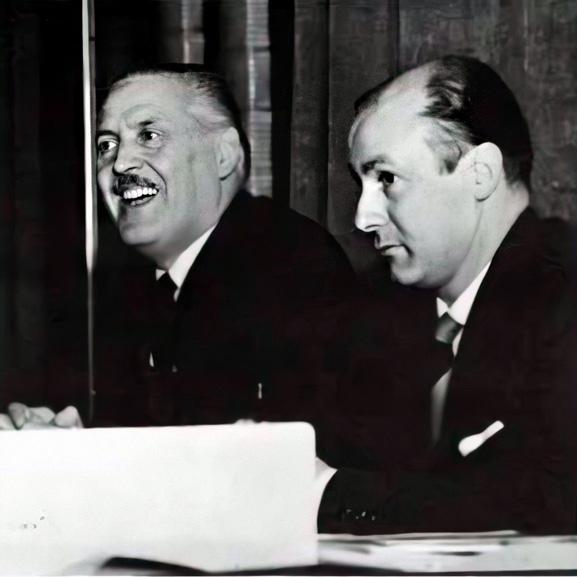 Franco Grignani intervenes at a public round-table in Milan, 1968